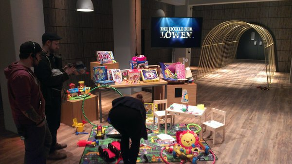 Meine-Spielzeugkiste on TV and Promising Changes