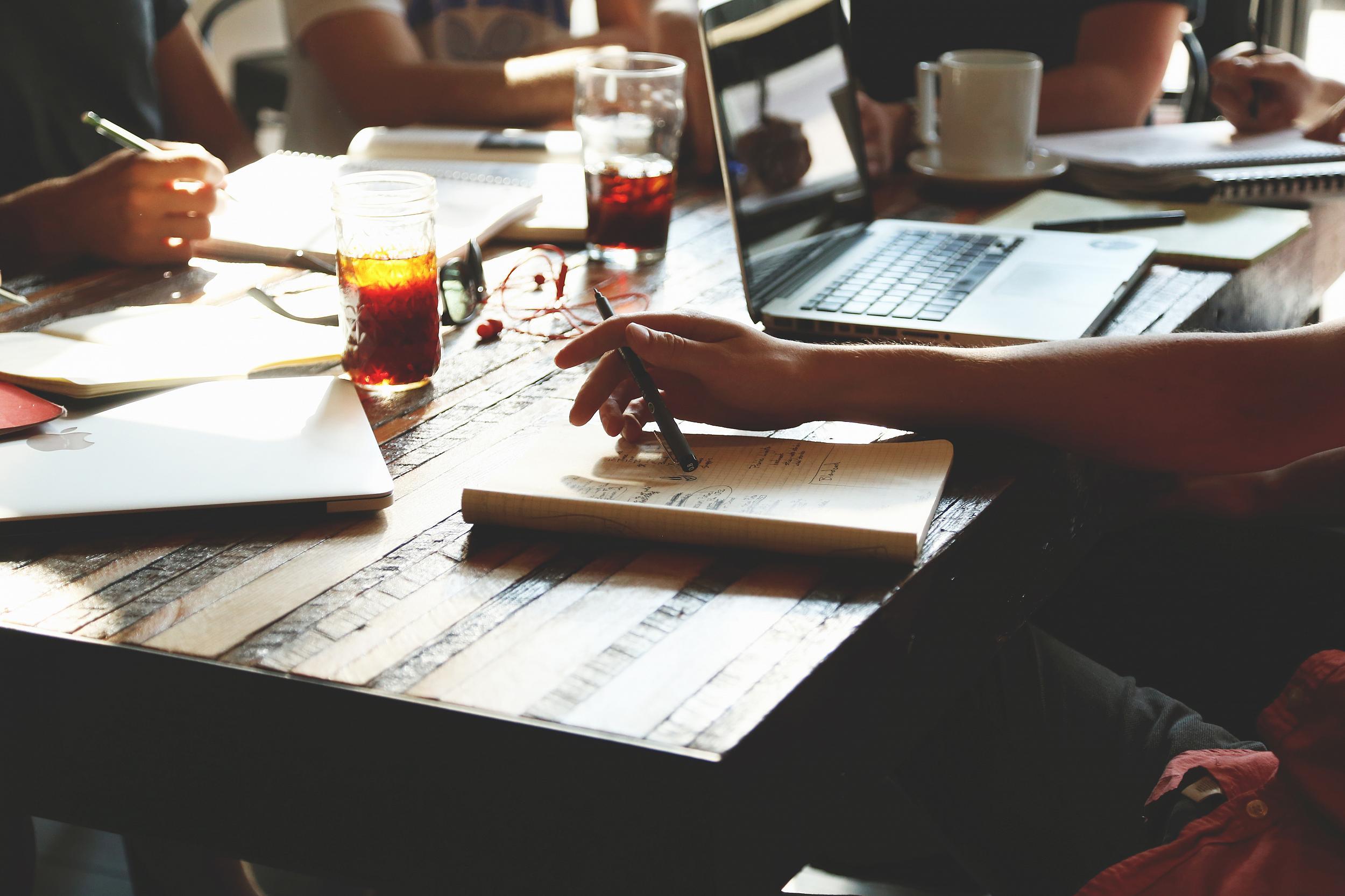 So können sich Privatpersonen mit Crowdinvesting an Startups und Wachstumsunternehmen beteiligen