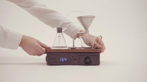 innovativer Wecker mit Kaffeemaschine Erfindung für alle Kaffeetrinker