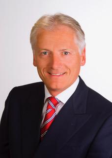 <p>Dr. Karl Schweitzer unterstützt EBS Technologies bereits seit mehr als 5 Jahren aktiv bei der strategischen Ausrichtung und ist seit Mitte 2017 Geschäftsführer des Unternehmens (Foto: EBS Technologies).</p>