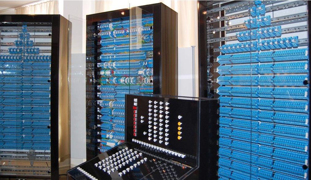 Der erste funktionierende Computer der Welt: Zuses Z3 // Quelle: Wikipedia