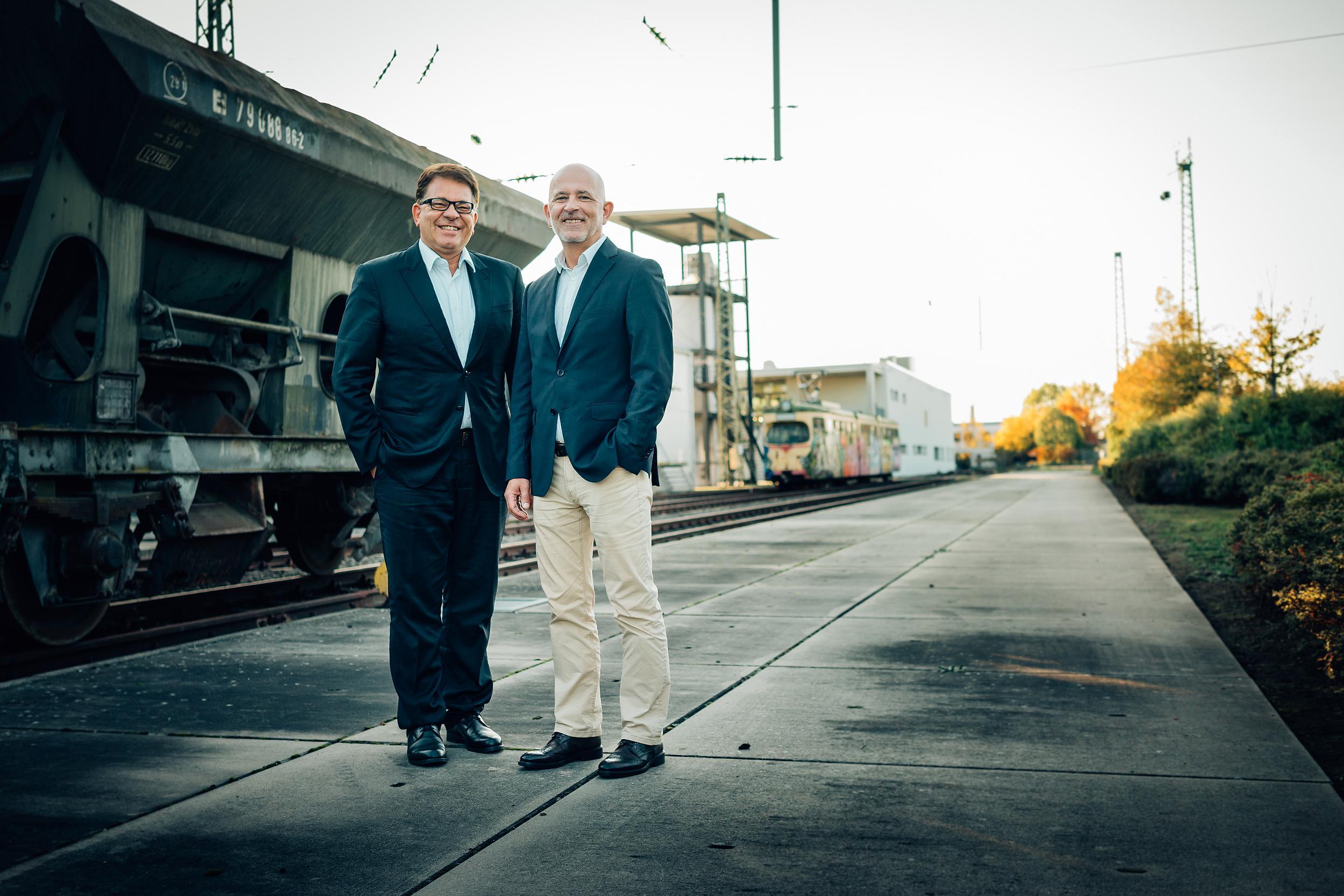 Klaus Hoppe (Kaufmännischer Leiter; CFO) und Eric Steck (Geschäftsführender Gesellschafter; CEO)